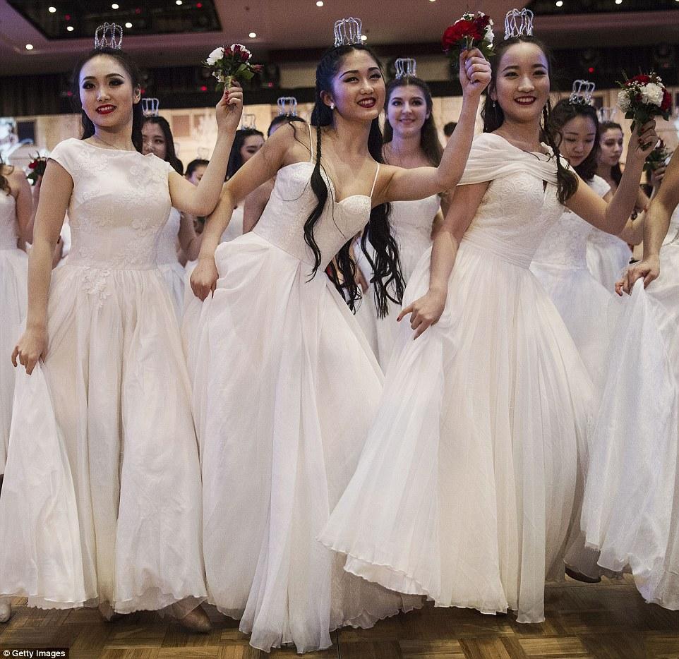 В Пекине при поддержке Посольства Австрии в КНР торжественно прошел Венский бал