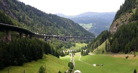 Австрия с конца мая введет пограничный контроль на границе с Италией